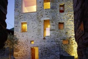 Restruturar uma casa com pedras