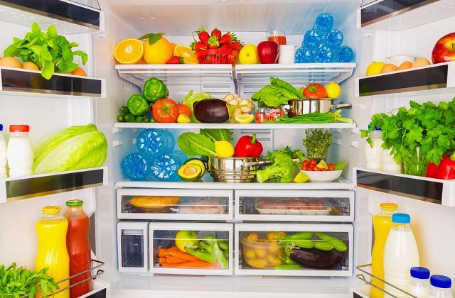Como economizar em contas usando melhor a geladeira