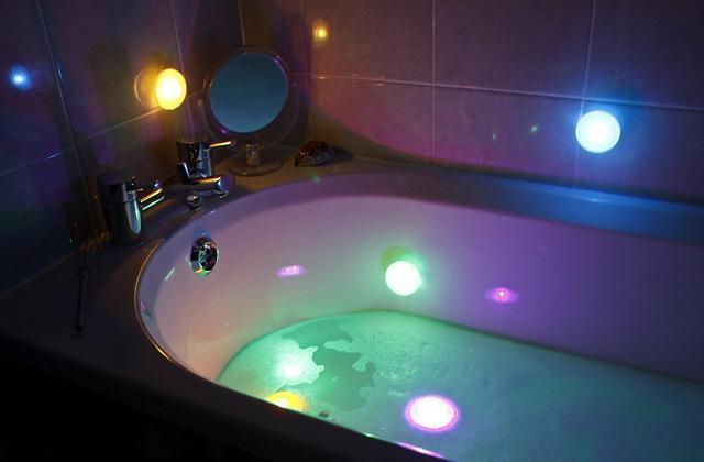 Luzes à prova d'água para banheira e chuveiro
