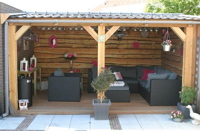 Como decorar uma varanda coberta para um verão de relaxamento