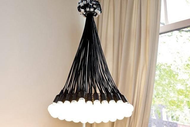 O Multi lustre com 85 lâmpadas