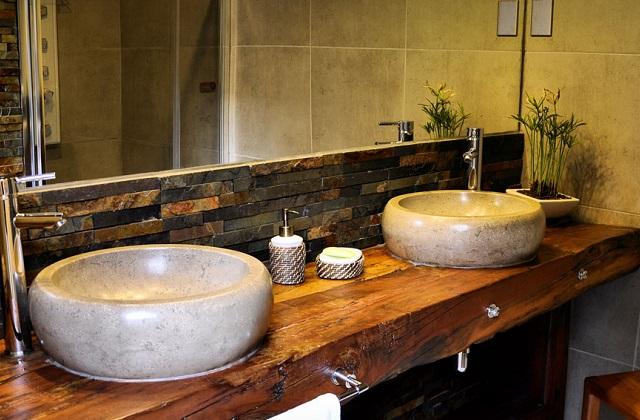 Banheiro compartilhado: lavabo e espelho, ideias para o casal