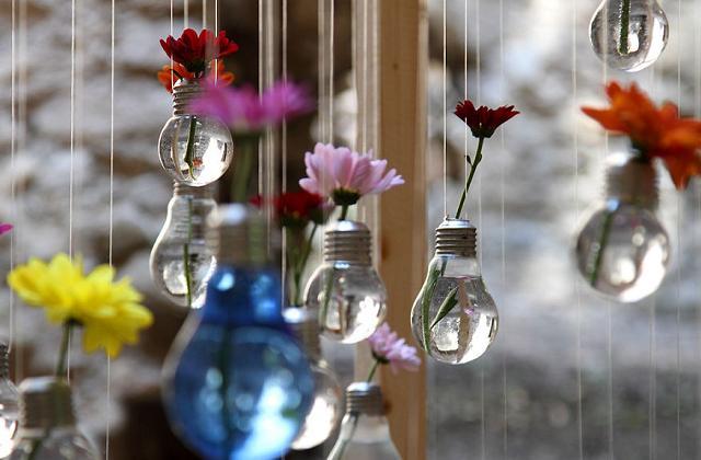 Reciclagem criativa: reutilizar as lâmpadas antigas