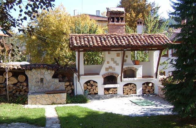 Como projetar uma lareira para o exterior, para decorar o jardim