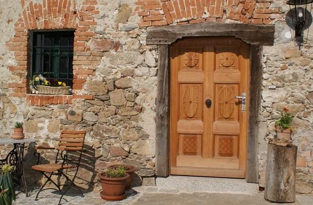 Restaurando uma velha porta de madeira