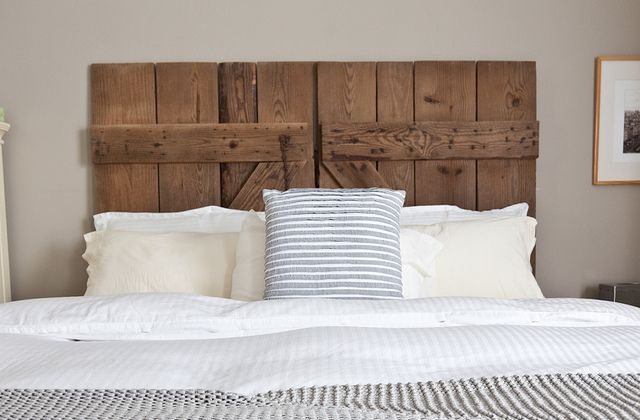 Como fazer uma cabeceira de cama com material reciclado