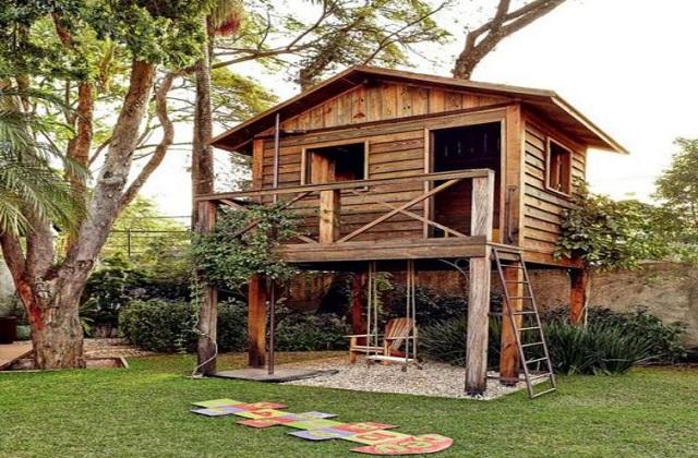 Casas de madeira para o jardim: confortável e funcional