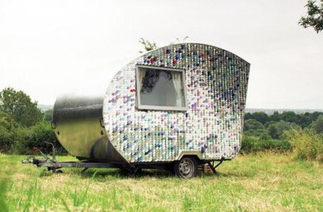 Um velho reboque que, com $ 170 foi convertido em um caravan de luxo