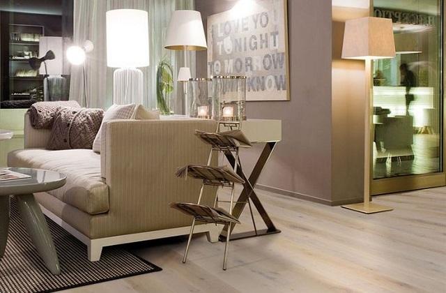 O parquet de carvalho branco por um design exclusivo