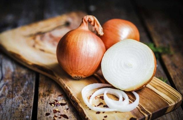 Todos os benefícios de cebola: Protege contra infecção e cuida do coração