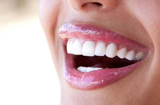 Como cuidas do dentes naturalmente