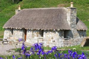Uma aldeia inteira na Escócia em venda pelo preço de um apartamento