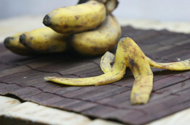 Casca de bananas úteis para hortaliças e para o jardim
