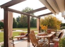 Como proteger a madeira da chuva e do sol
