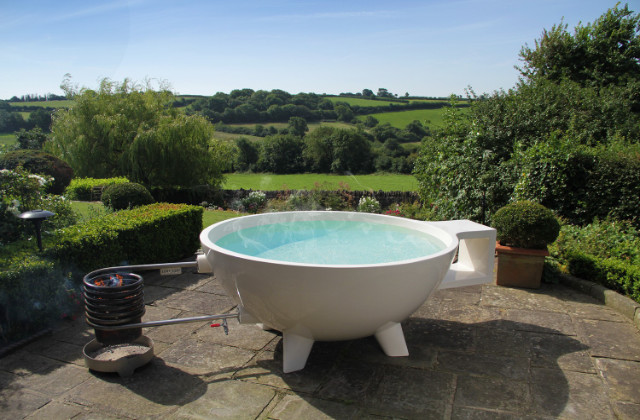 Como construir uma Dutch Tub, uma banheira de hidromassagem para colocar no jardim
