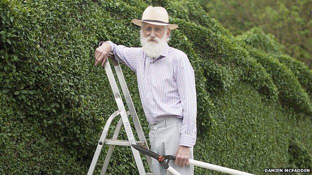 Um jardineiro muito habilidoso (e muito apaixonado)