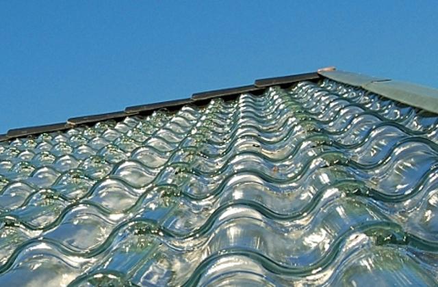 Aquecendo a casa, sem nenhum custo com as telhas transparentes