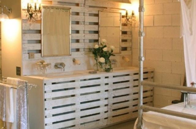 Renove o banheiro redecorando com paletes