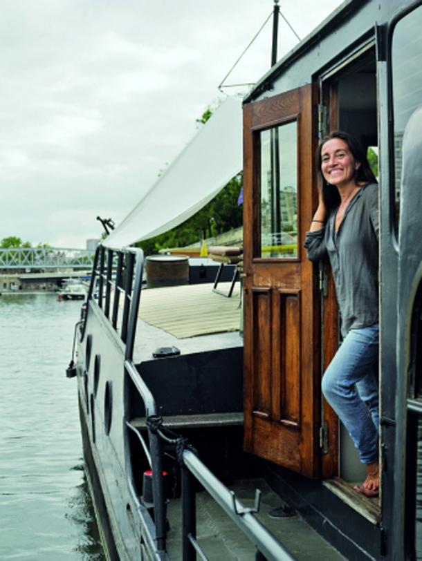 Houseboat: A casa flutuante sobre o rio Sena