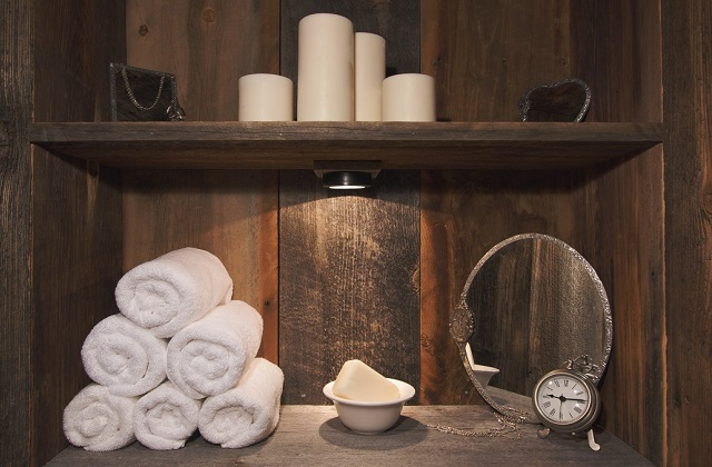 Inspirações e idéias para um banheiro rústico