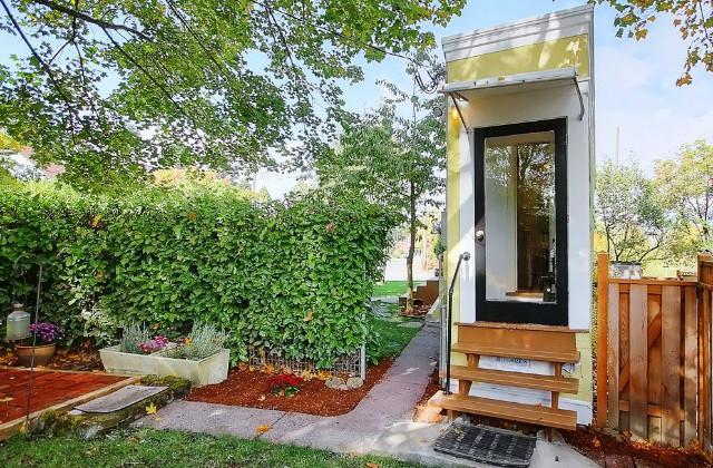 Uma mini casa muito especial construída por despeito