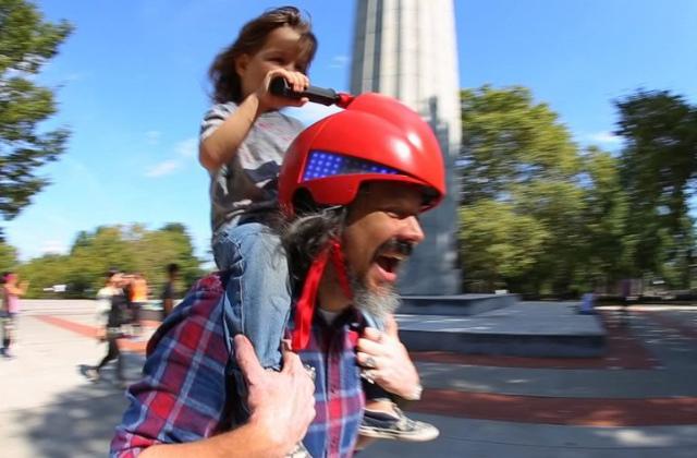 Um capacete original apenas para o papai