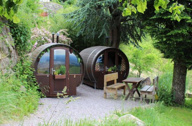 Como transformar um gigante barril em uma pequena casa aconchegante