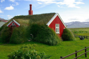 As turf houses islandesas: casas que parecem brotar da Terra