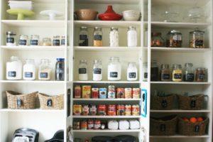 Como melhor organizar uma despensa em casa