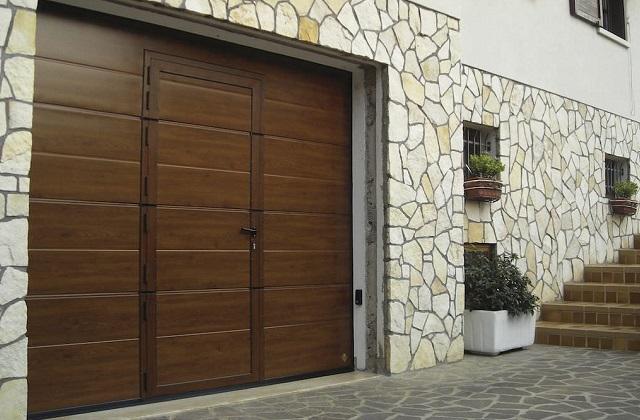 Como escolher uma porta de garagem confortável e funcional