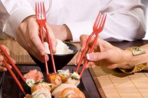"""Genial invenção: o garfo """"chinês"""""""