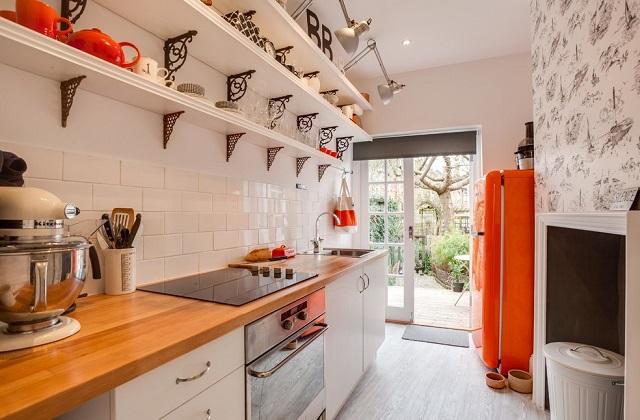 Cozinhas com ilha (e península) para casas pequenas
