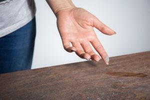 6 truques para remover permanentemente o pó de casa
