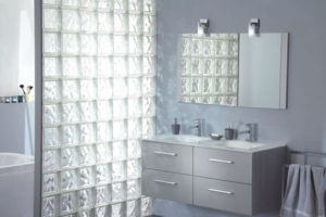 Parede de vidro para chuveiro: como construir?